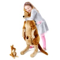 Joan - nagy méretű kenguru és baby